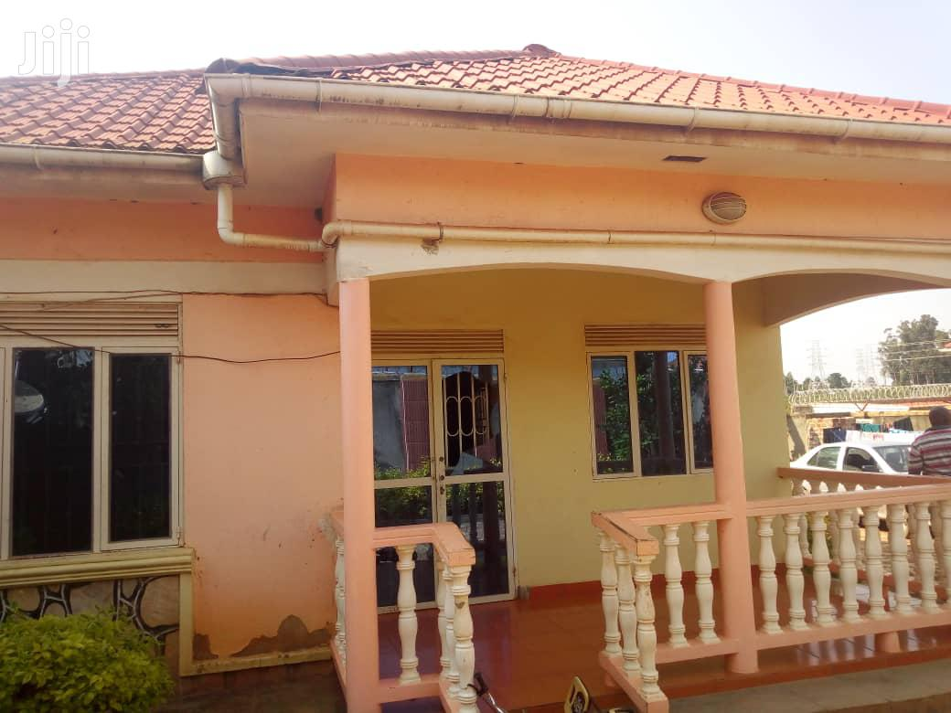 Three Bedroom House In Bweyogerere Buto For Sale