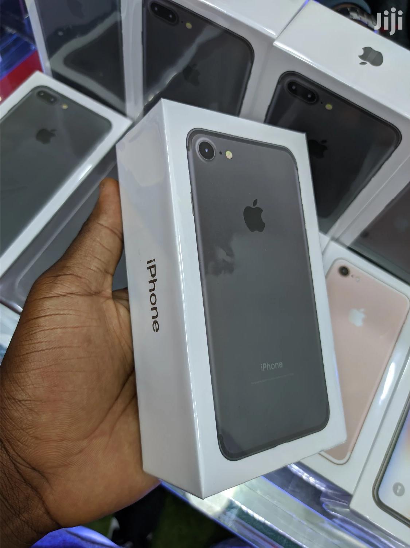 New Apple iPhone 7 32 GB Black