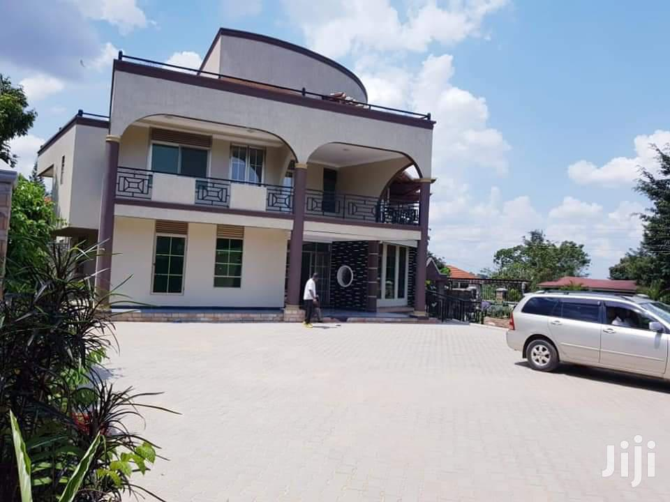 Brand New 8 Bedroom House In Bunga For Sale
