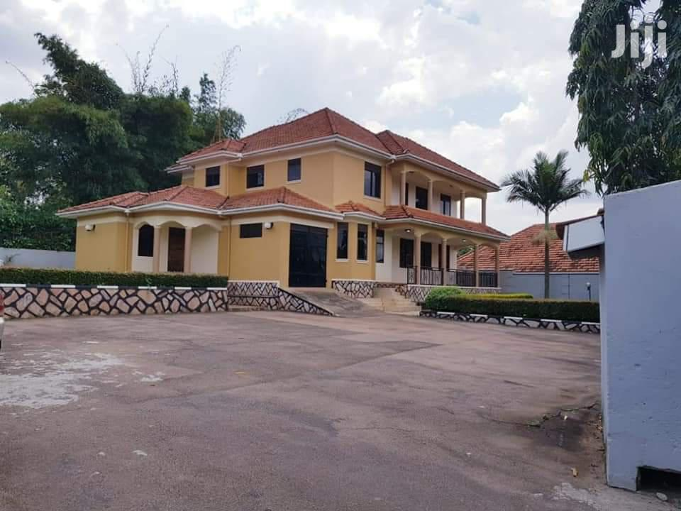 Bunga 5 Bedroom House For Sale