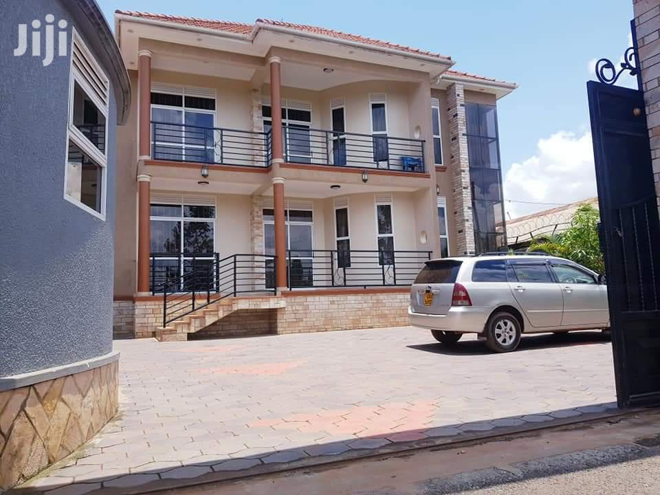 Archive: Muyenga Five Bedrooms House For Sale