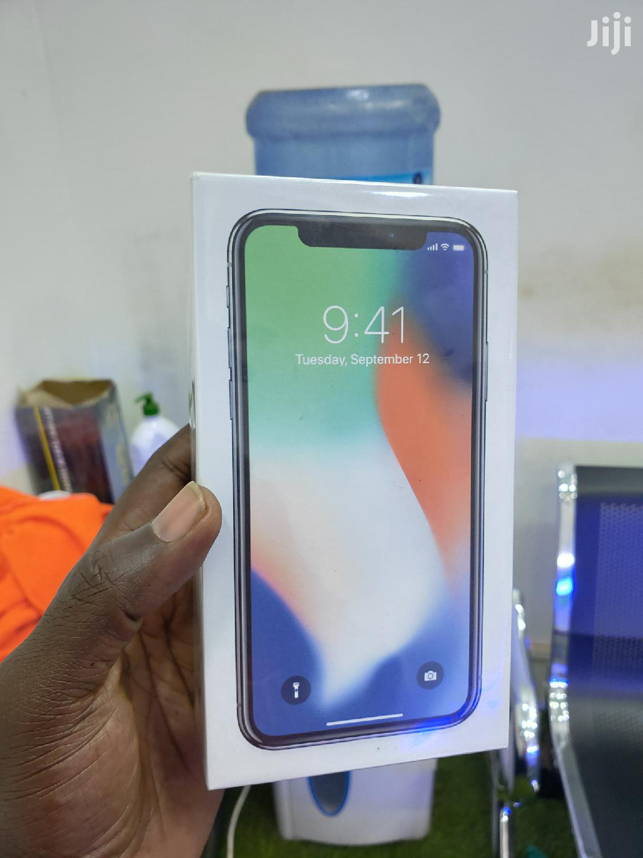 New Apple iPhone X 64 GB White