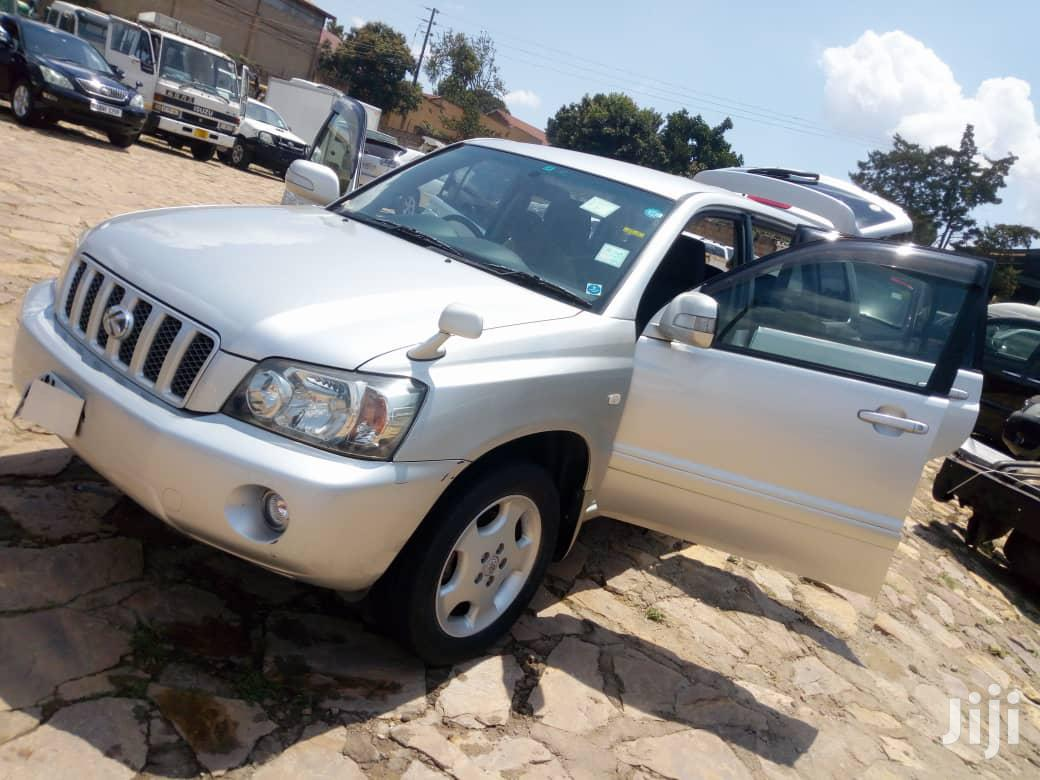 Archive: Toyota Kluger 2006 Silver