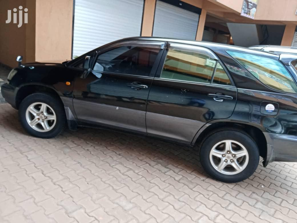 Archive: Toyota Harrier 2002 Gray