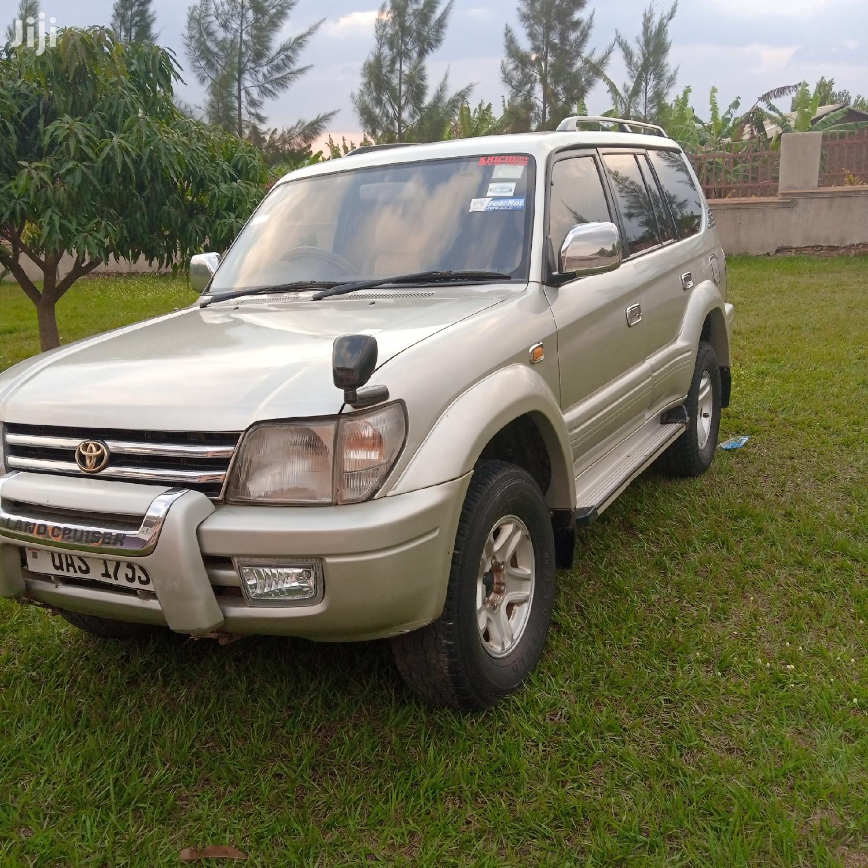Toyota Land Cruiser Prado 2000 Silver