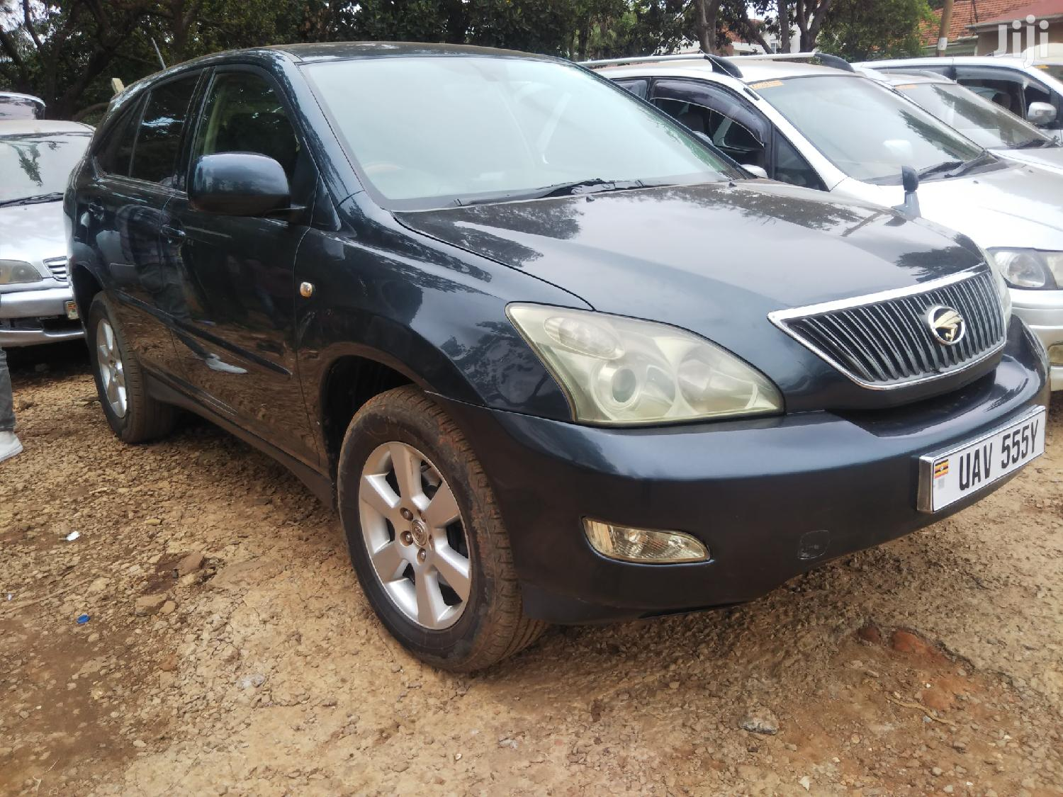 Toyota Harrier 2004 Black