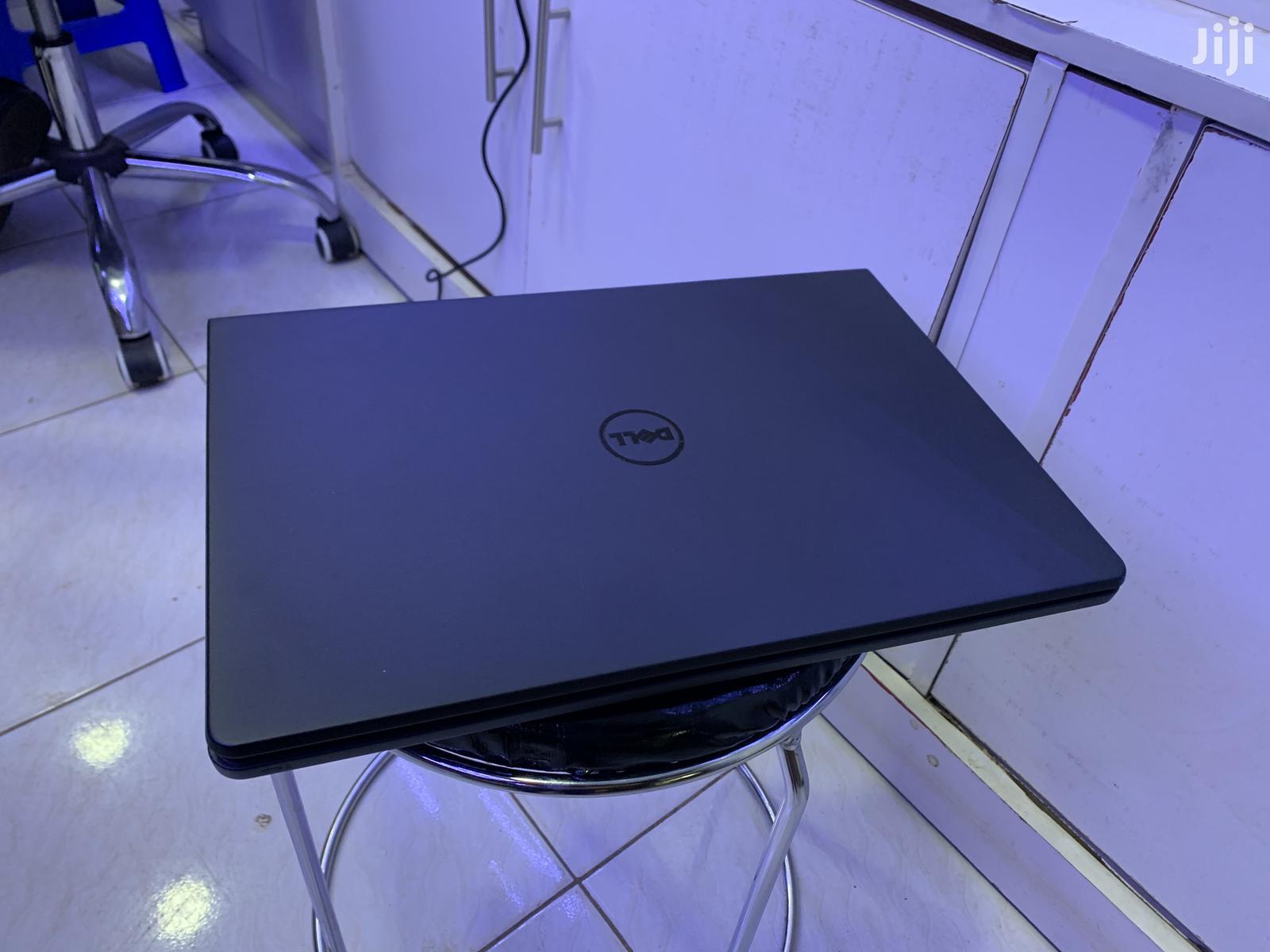 Laptop Dell Inspiron 15 3000 4GB Intel Core i7 500GB