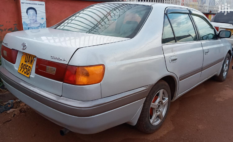 Archive: Toyota Premio 1997 Gray