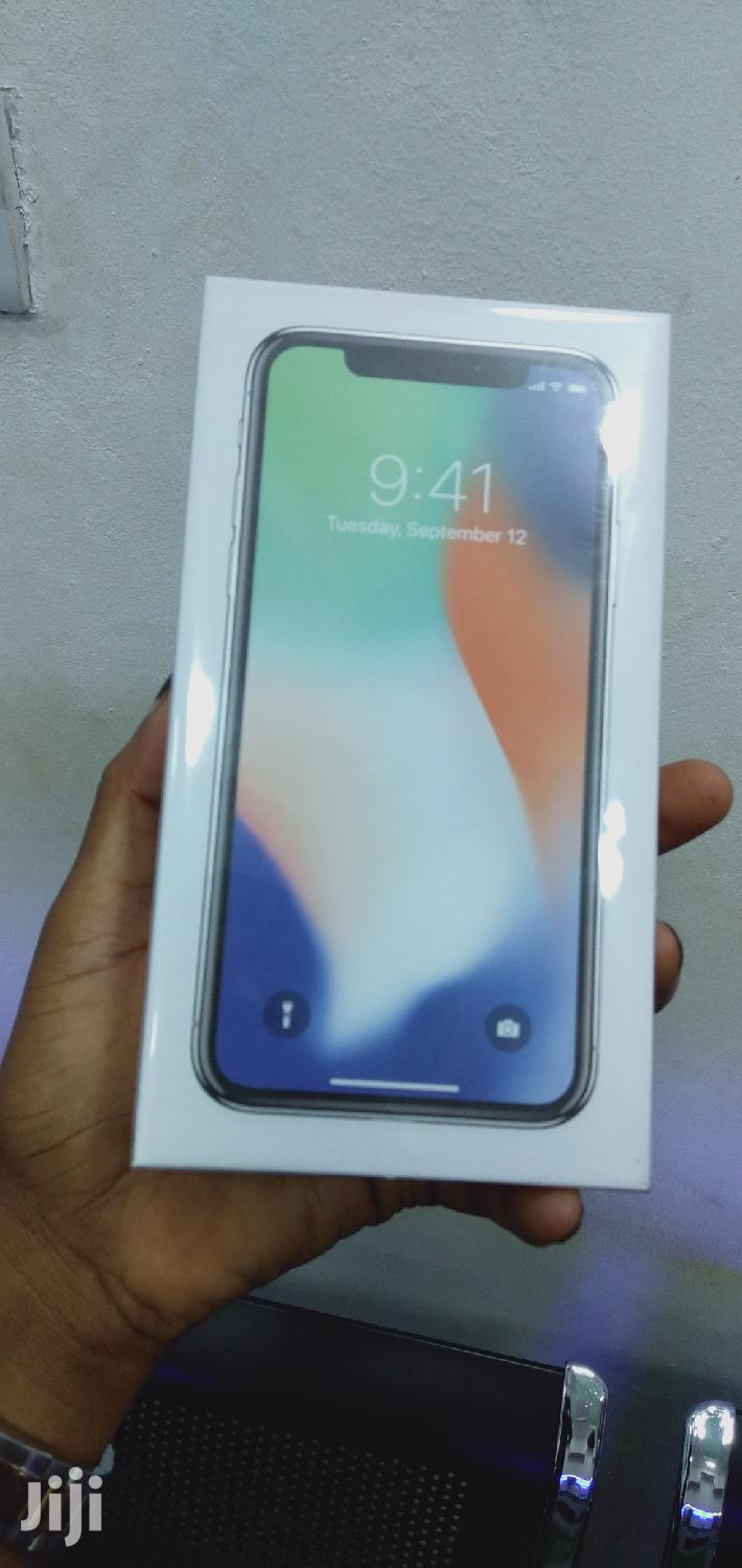 New Apple iPhone X 256 GB Silver