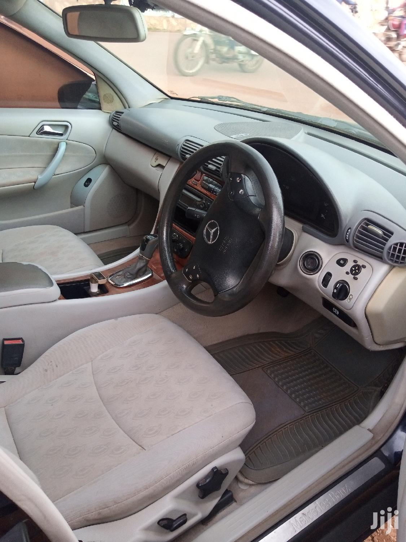 Archive: Mercedes-Benz C200 2003 Blue