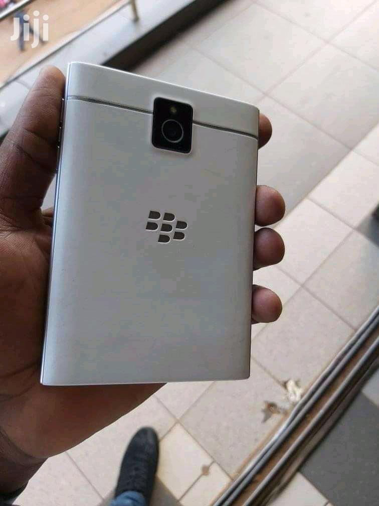 BlackBerry Passport 32 GB White | Mobile Phones for sale in Kampala, Central Region, Uganda