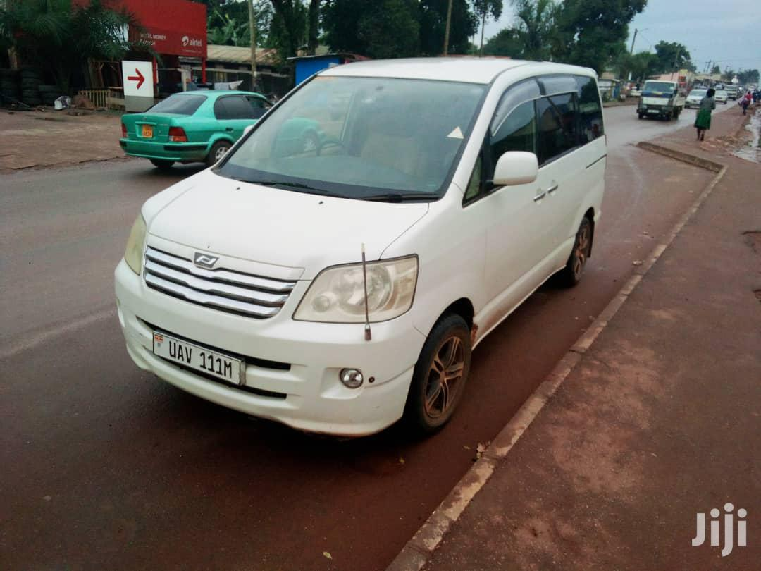 Toyota Noah 2003 White For Hire