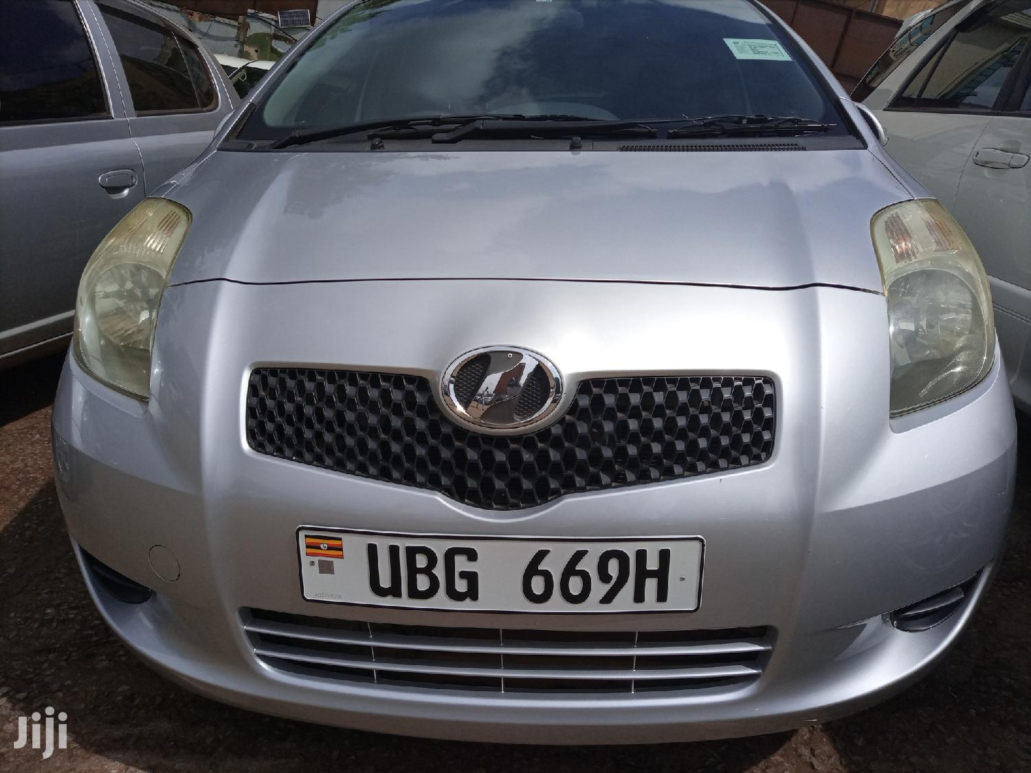 Toyota Vitz 2006 Silver | Cars for sale in Kampala, Central Region, Uganda
