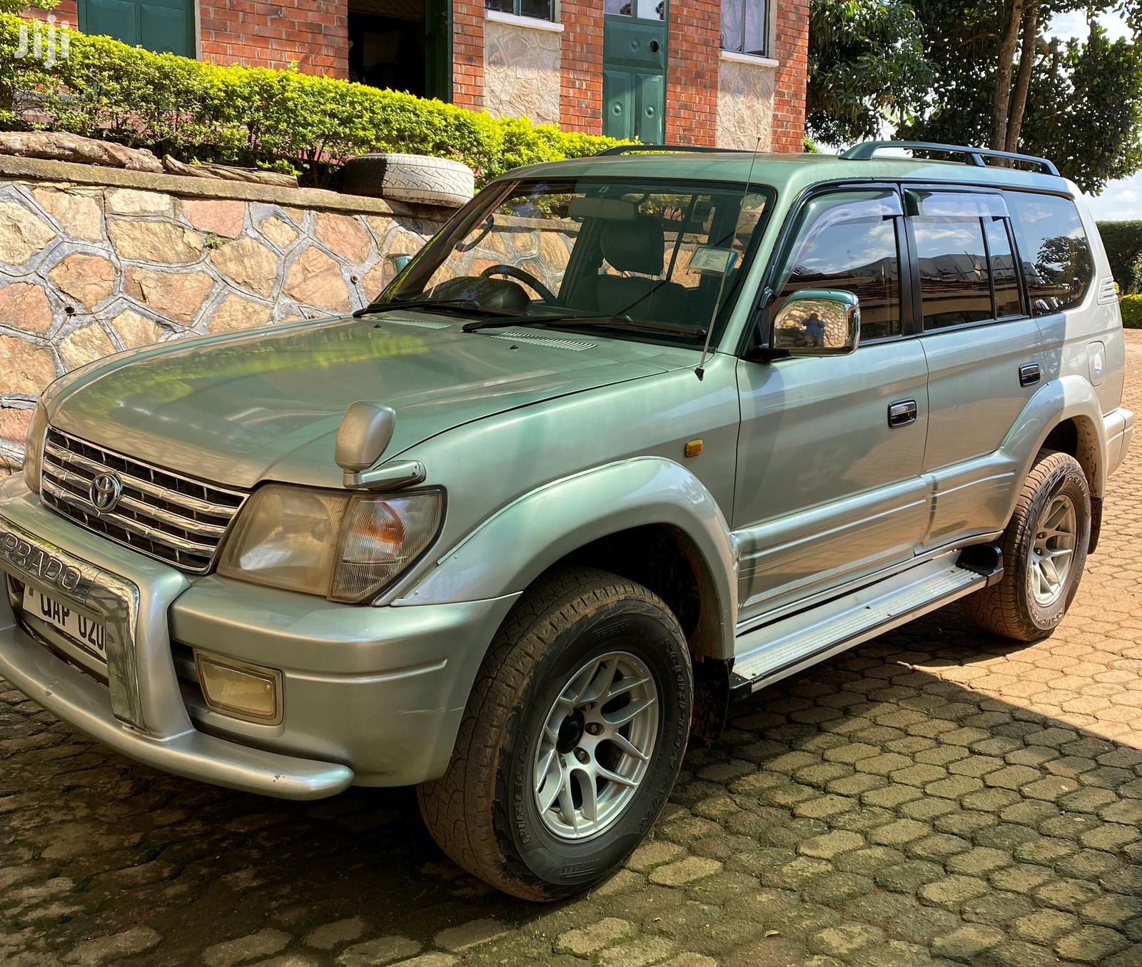Toyota Land Cruiser 2000 Silver | Cars for sale in Kampala, Central Region, Uganda