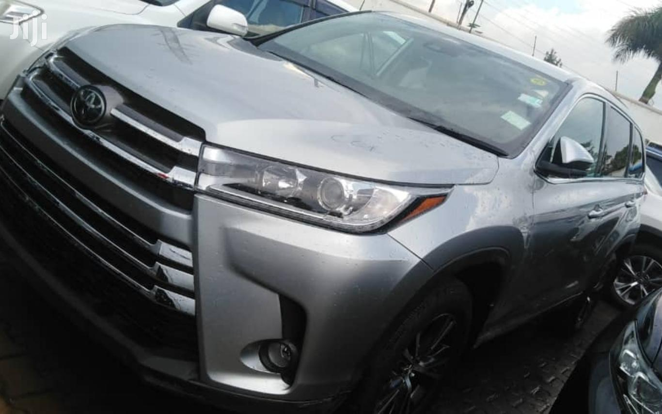 Archive: Toyota Kluger 2018 Silver