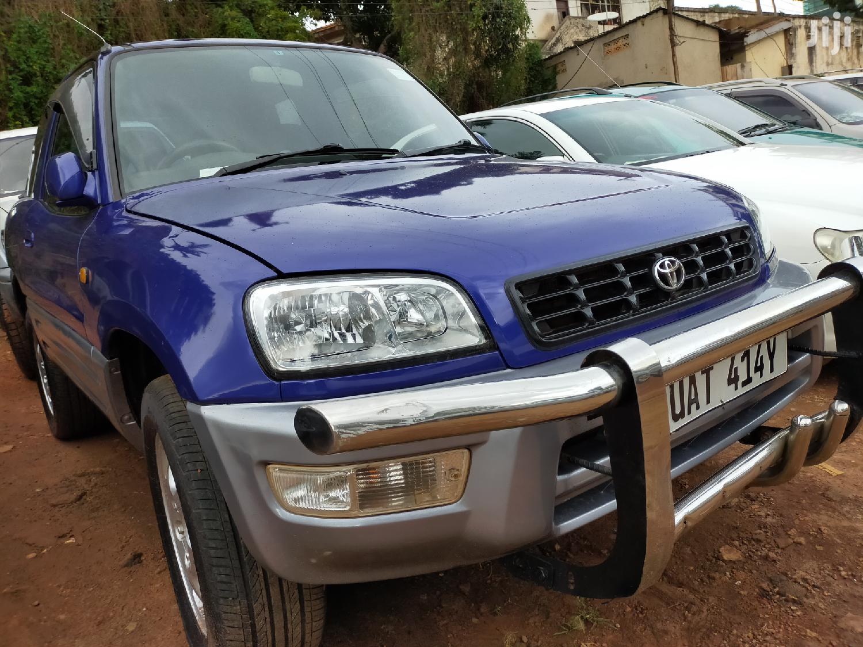 Toyota RAV4 1999 Blue