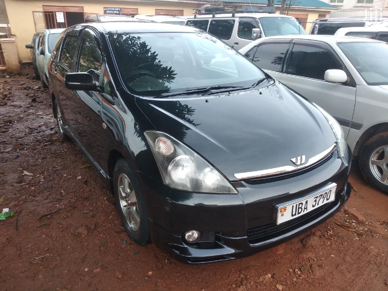 Archive: New Toyota Wish 2004 Black