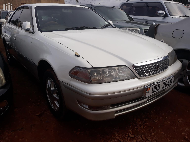 Toyota Mark II 2000 White