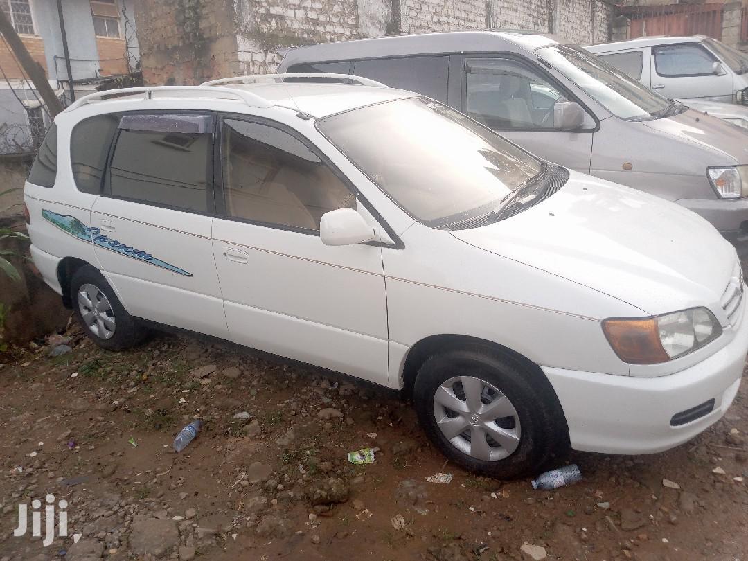 Toyota Ipsum 2000 White | Cars for sale in Kampala, Central Region, Uganda