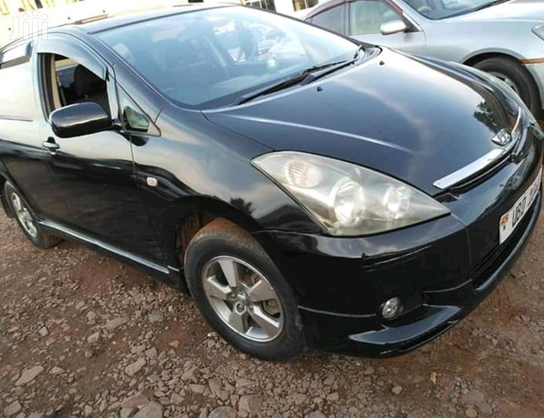 Archive: Toyota Wish 2004 Black