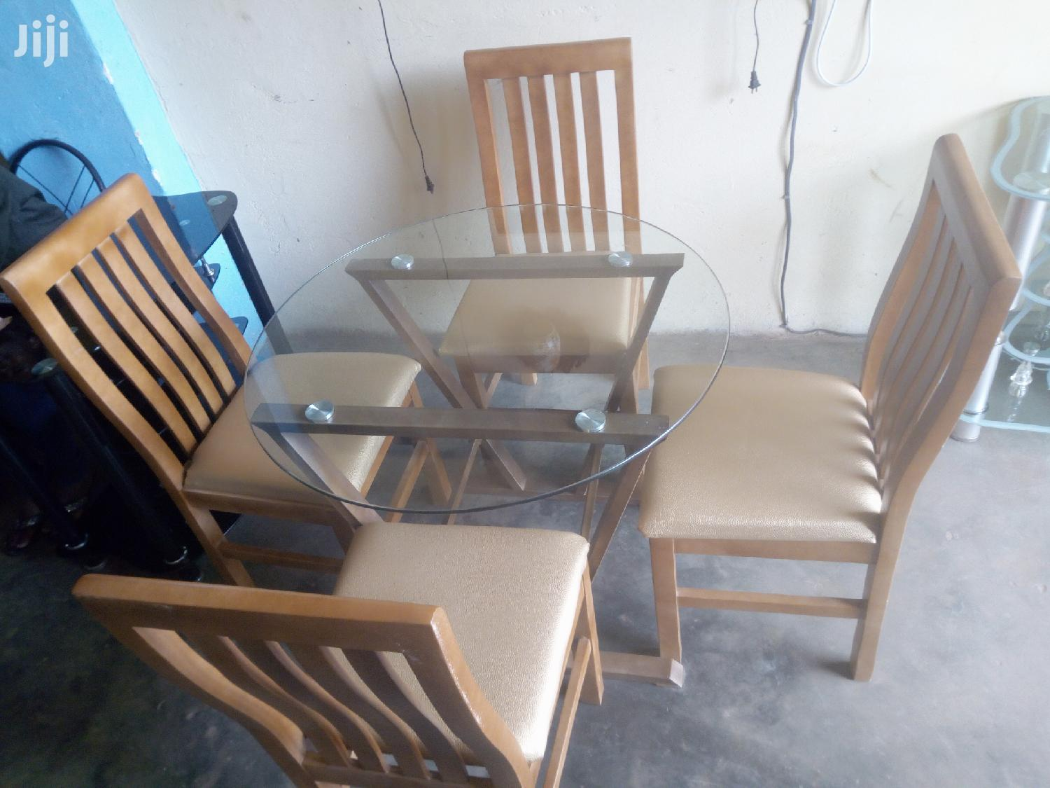 4 Seater Round Dining Table