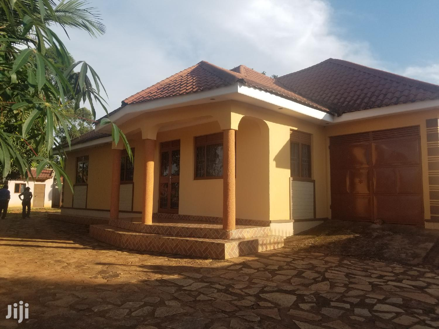 Archive: Four Bedrooms House For Sale In Najjera Kungu With Title