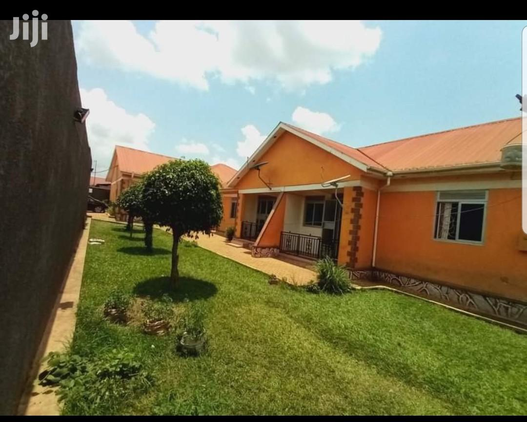 Archive: Namugongo Bweyogerere Road Butto Rentals for Sale