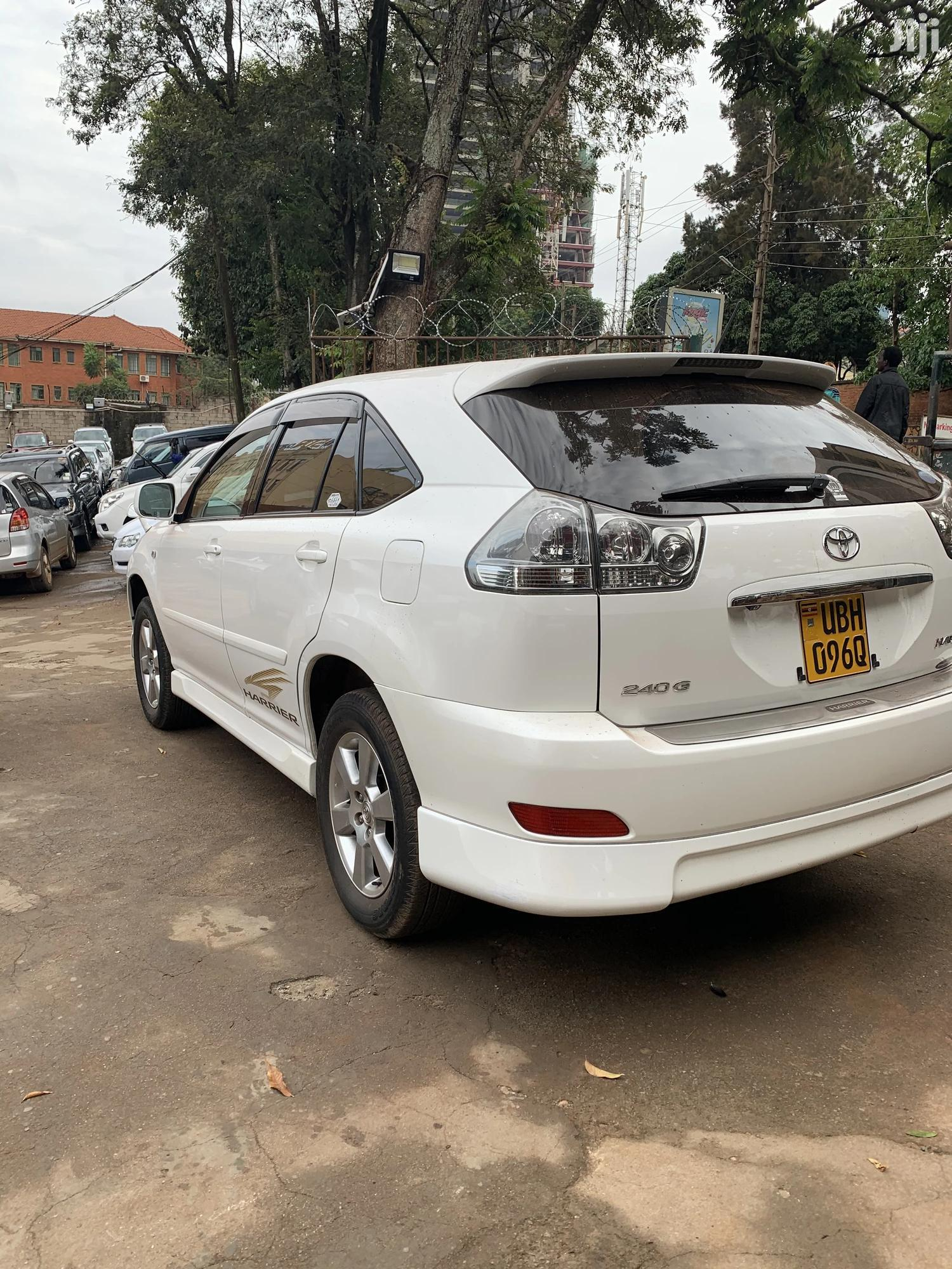 Toyota Harrier 2005 White | Cars for sale in Kampala, Central Region, Uganda