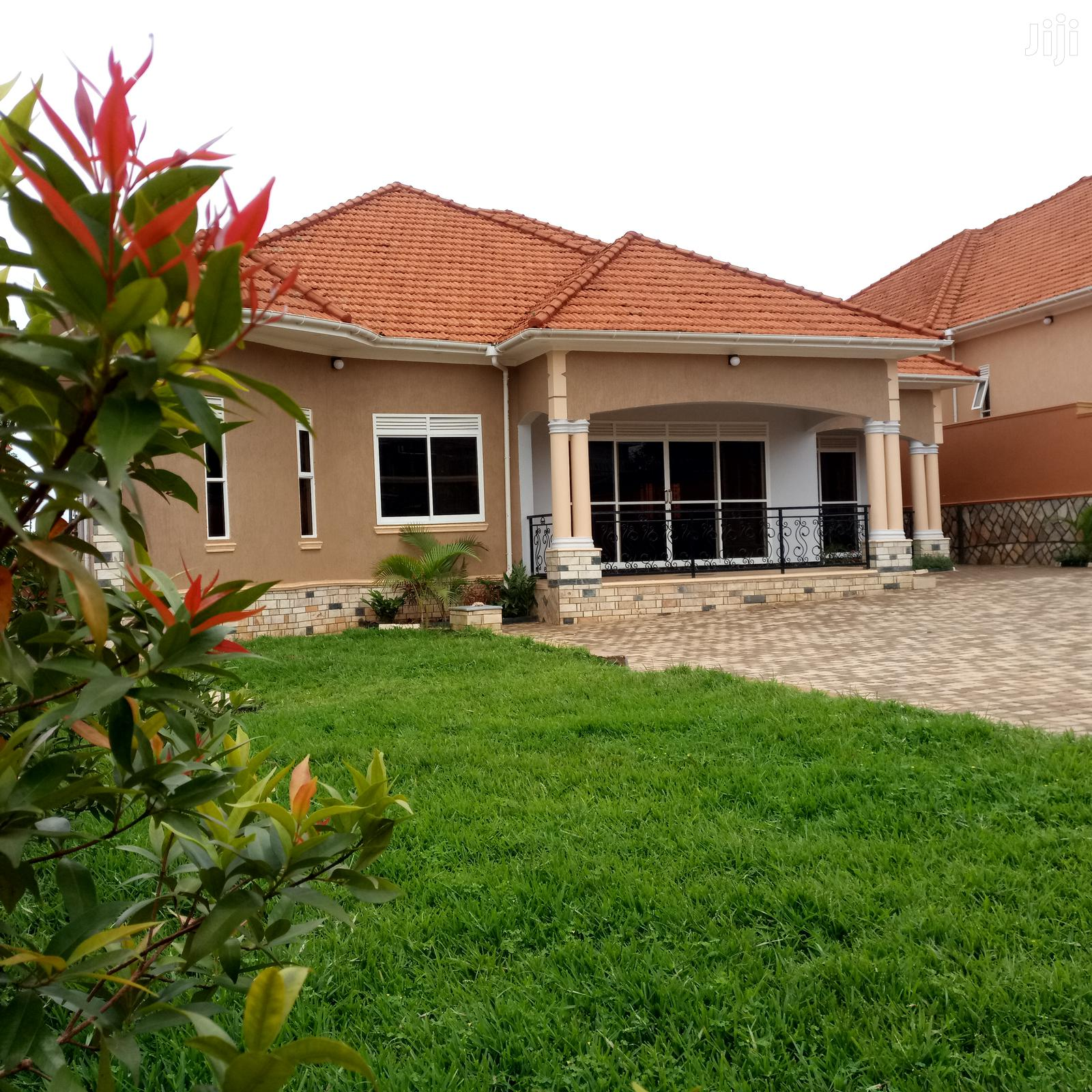 KIRA Executive Four Bedroom Mansion For Sale