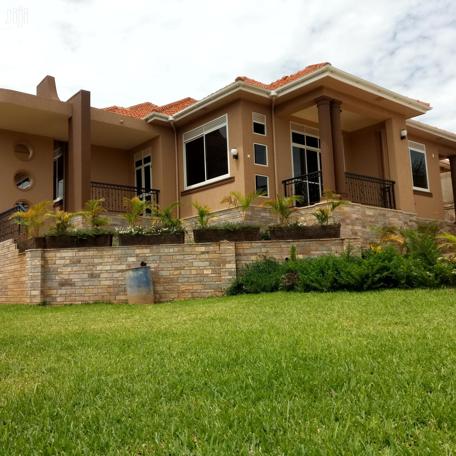 Four Bedroom Mansion In Kira For Sale