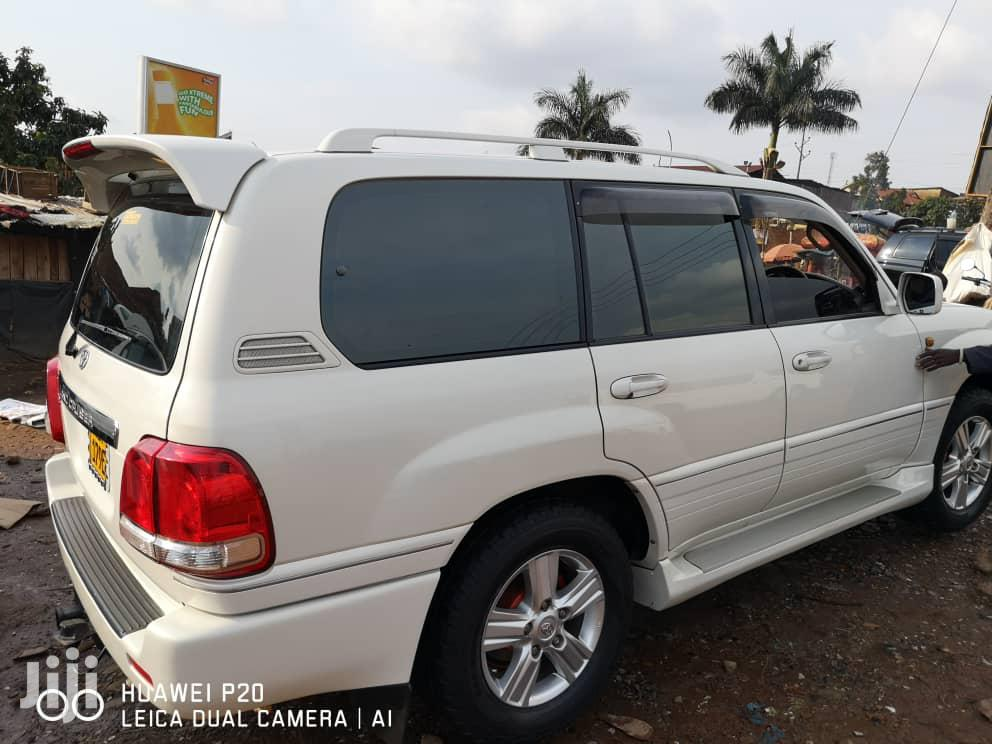 Toyota Land Cruiser 2006 White | Cars for sale in Kampala, Central Region, Uganda