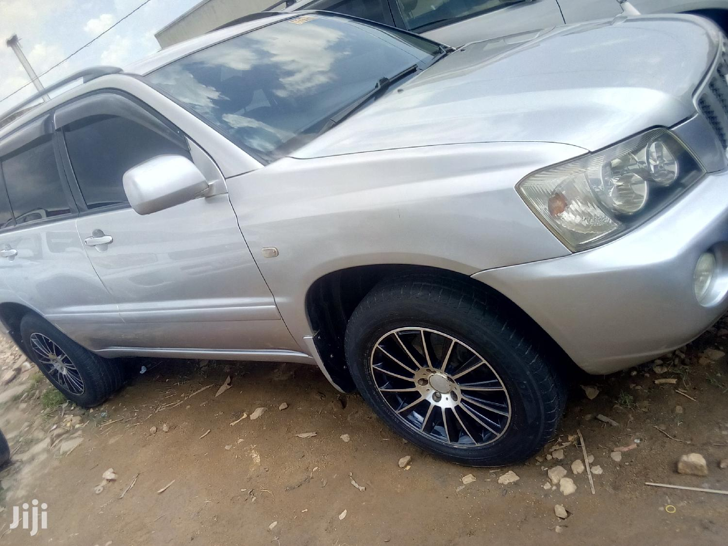 Toyota Kluger 2004 Silver