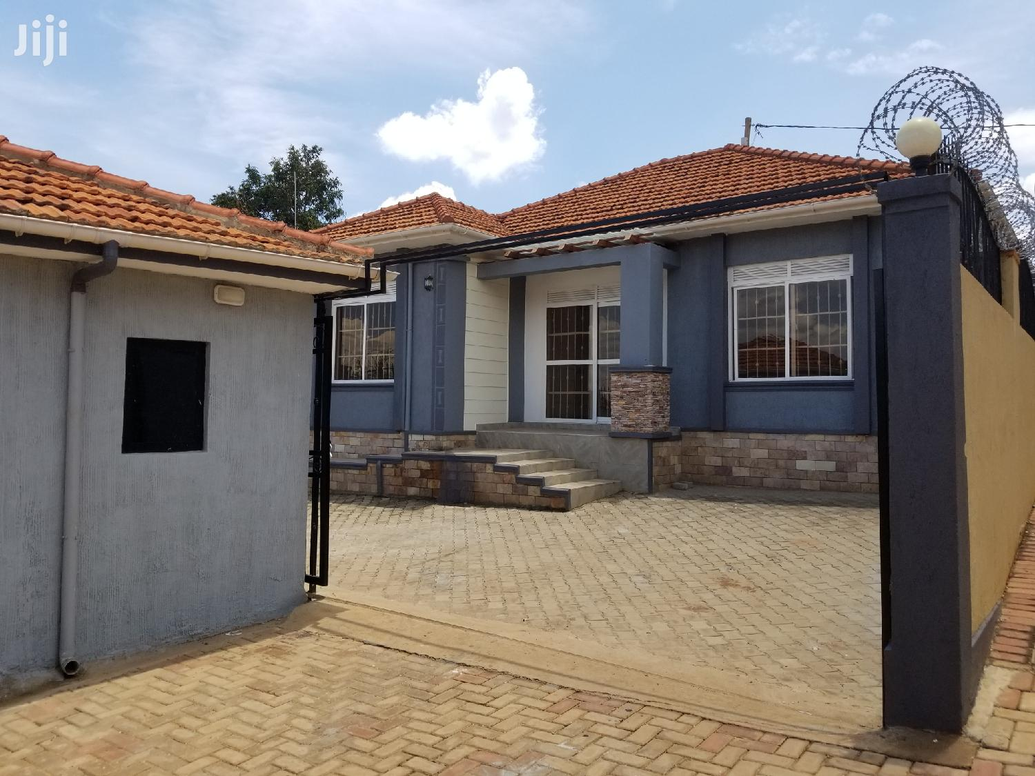 Archive: Three Bedroom House For Sale In Kira