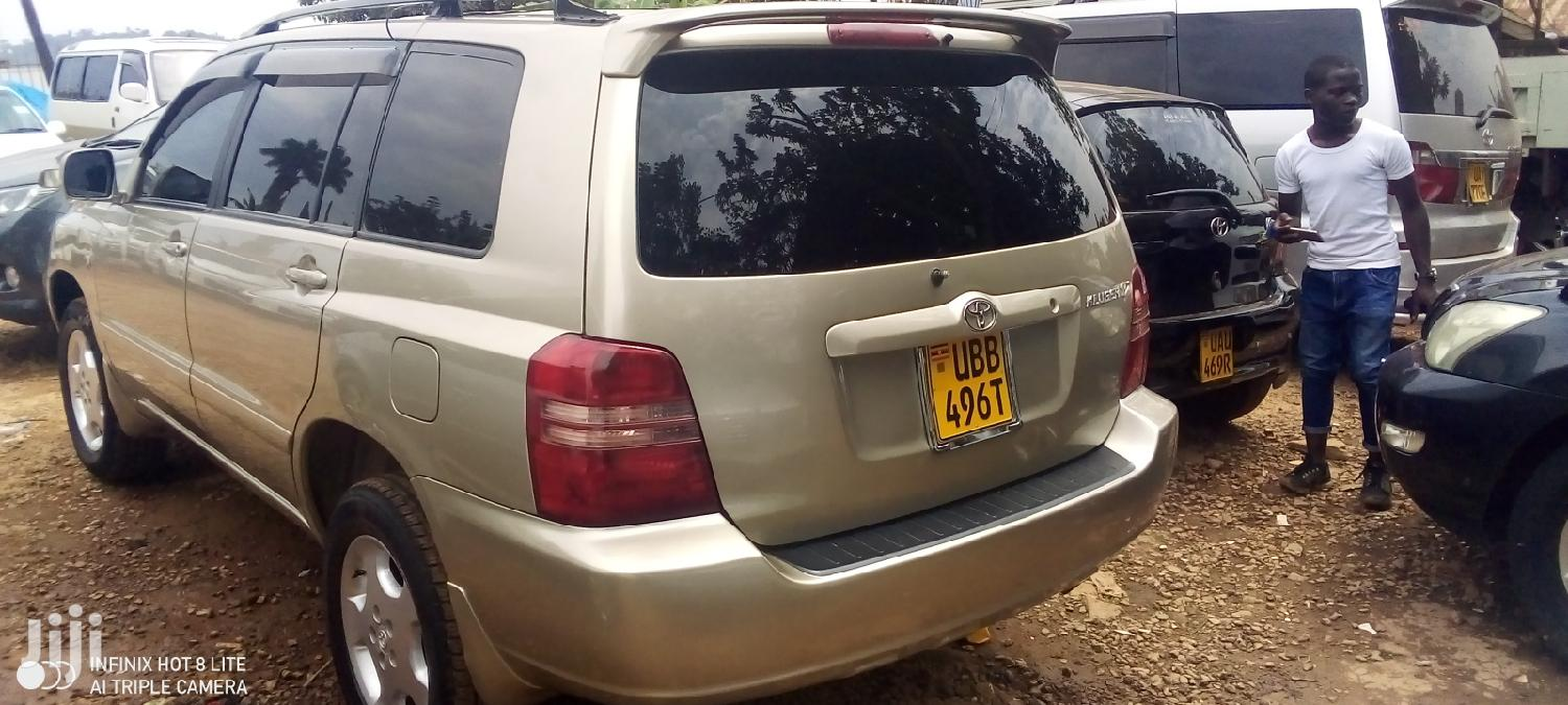 Toyota Kluger 2003 Gold | Cars for sale in Kampala, Central Region, Uganda
