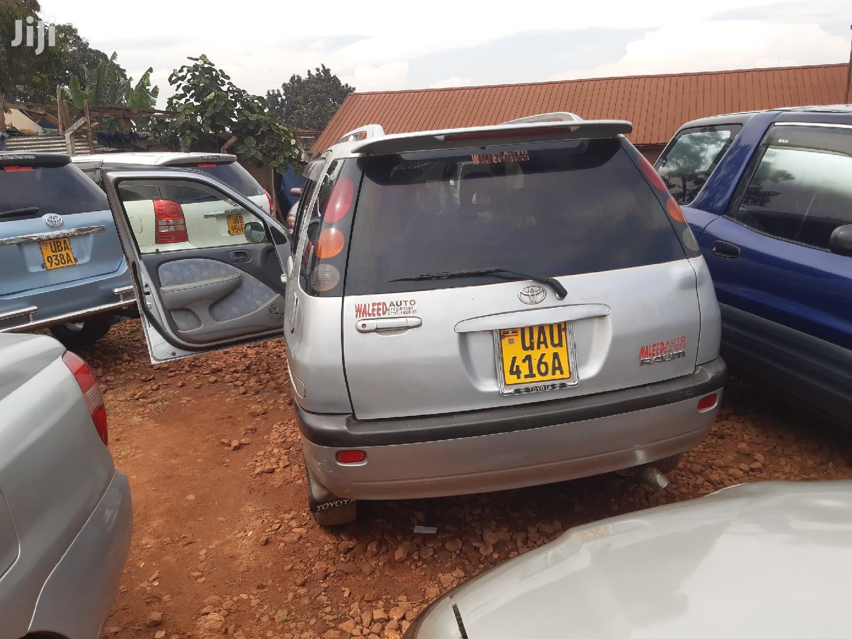 Toyota Raum 2003 Silver