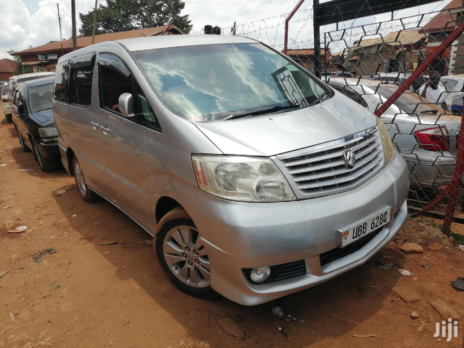 Toyota Alphard 2003 Silver | Cars for sale in Kampala, Central Region, Uganda