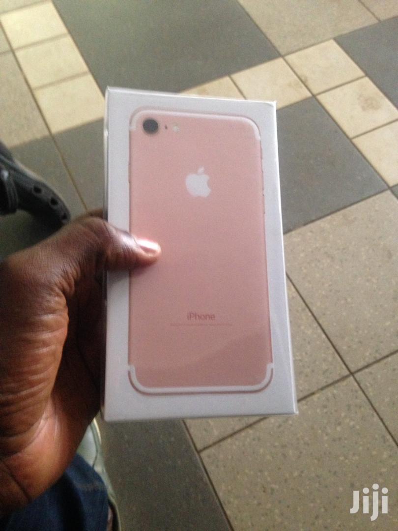 New Apple iPhone 7 32 GB Pink