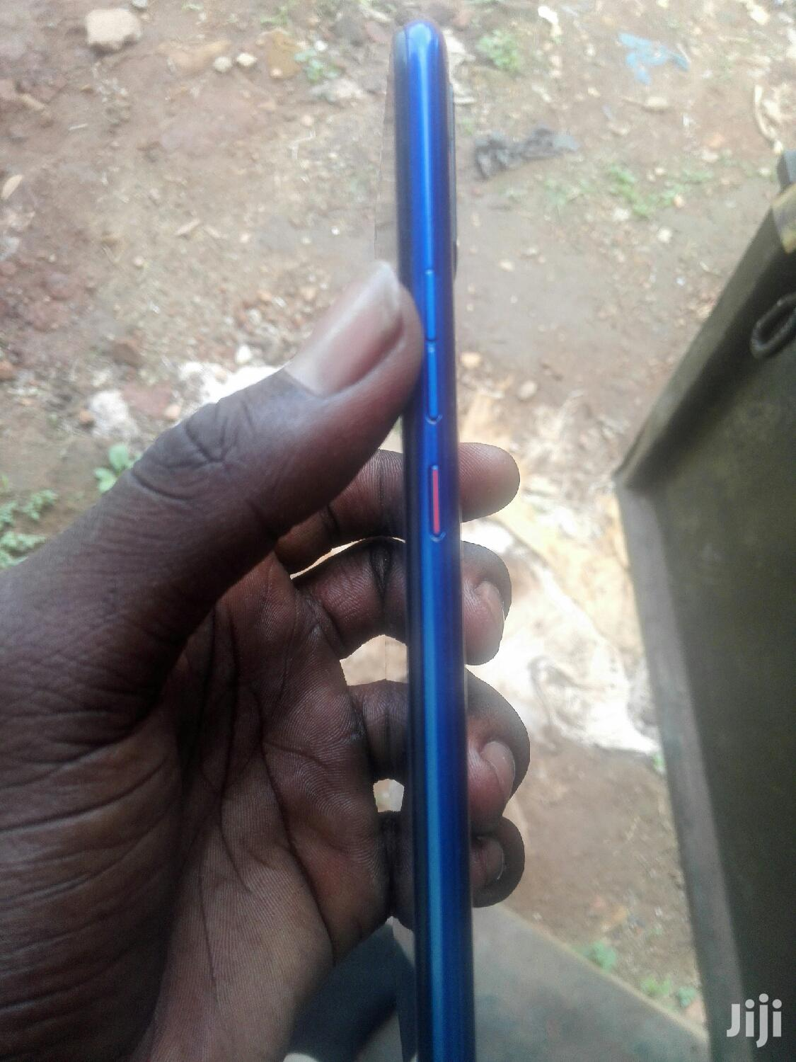 Archive: Mobile Phone 32 GB Blue