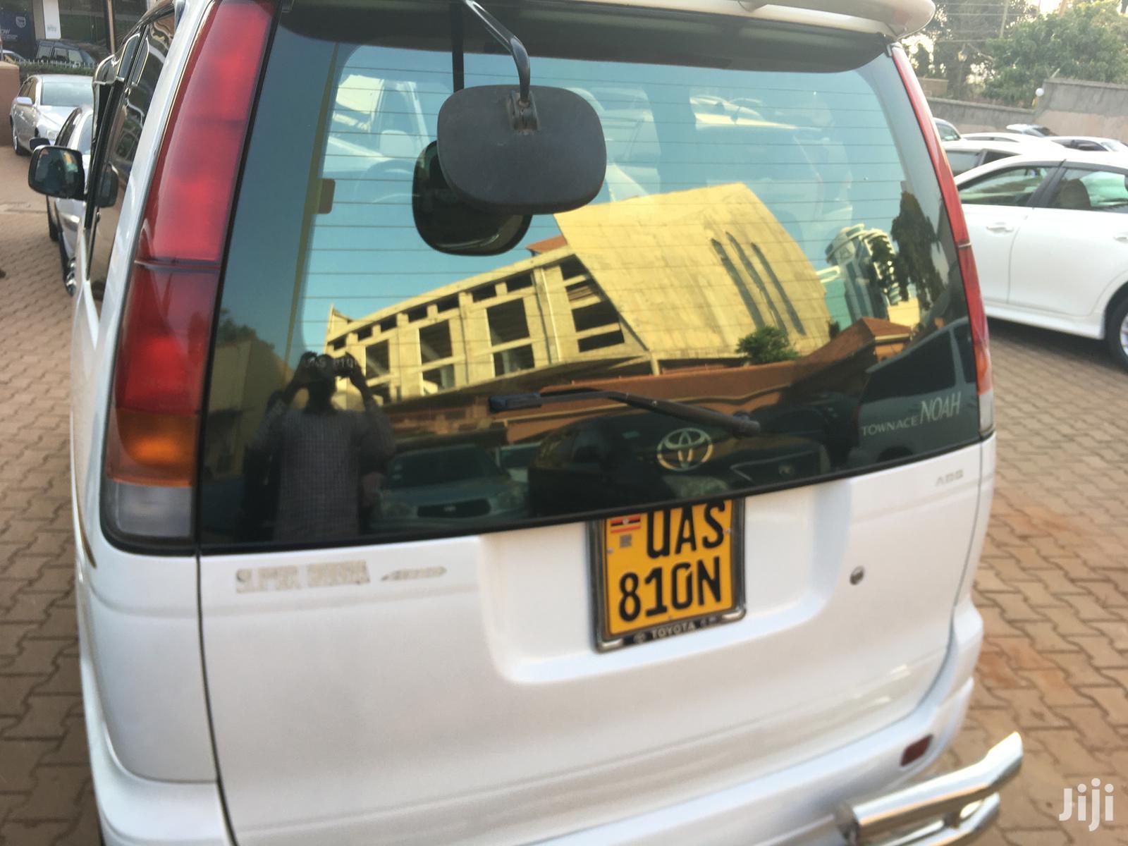 Toyota Noah 2001 White | Cars for sale in Kampala, Central Region, Uganda