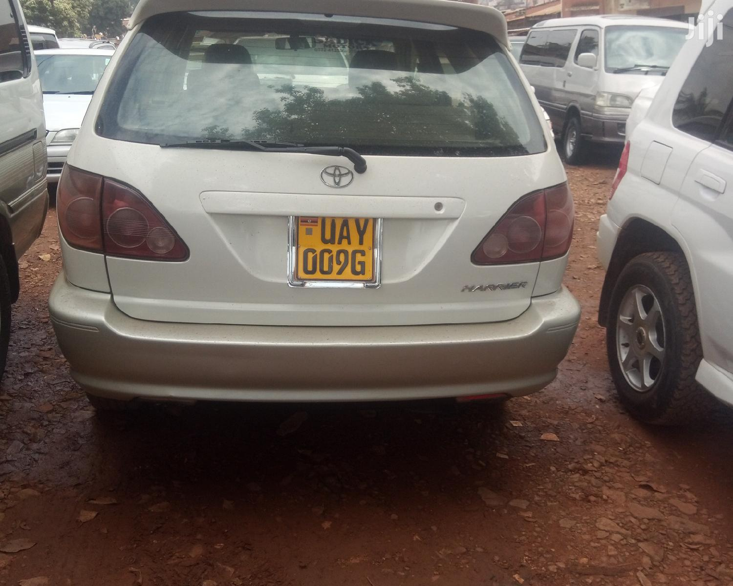 Archive: Toyota Harrier 1998 White