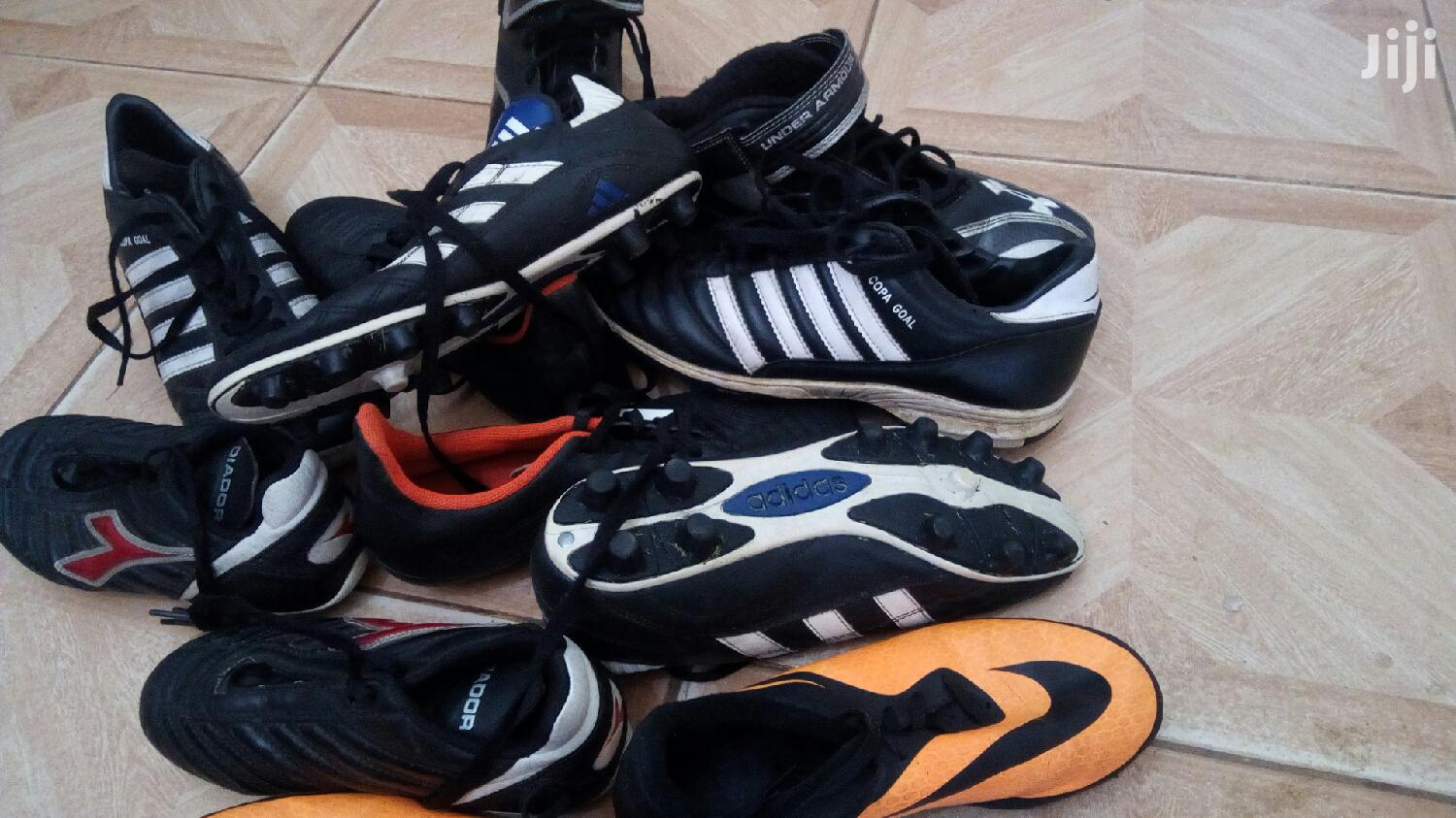 Archive: Football Shoes