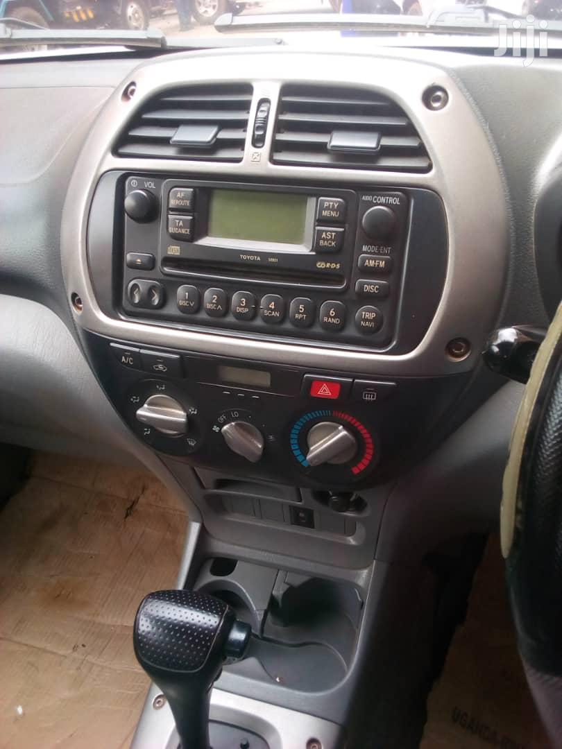 Archive: Toyota RAV4 2002 Silver