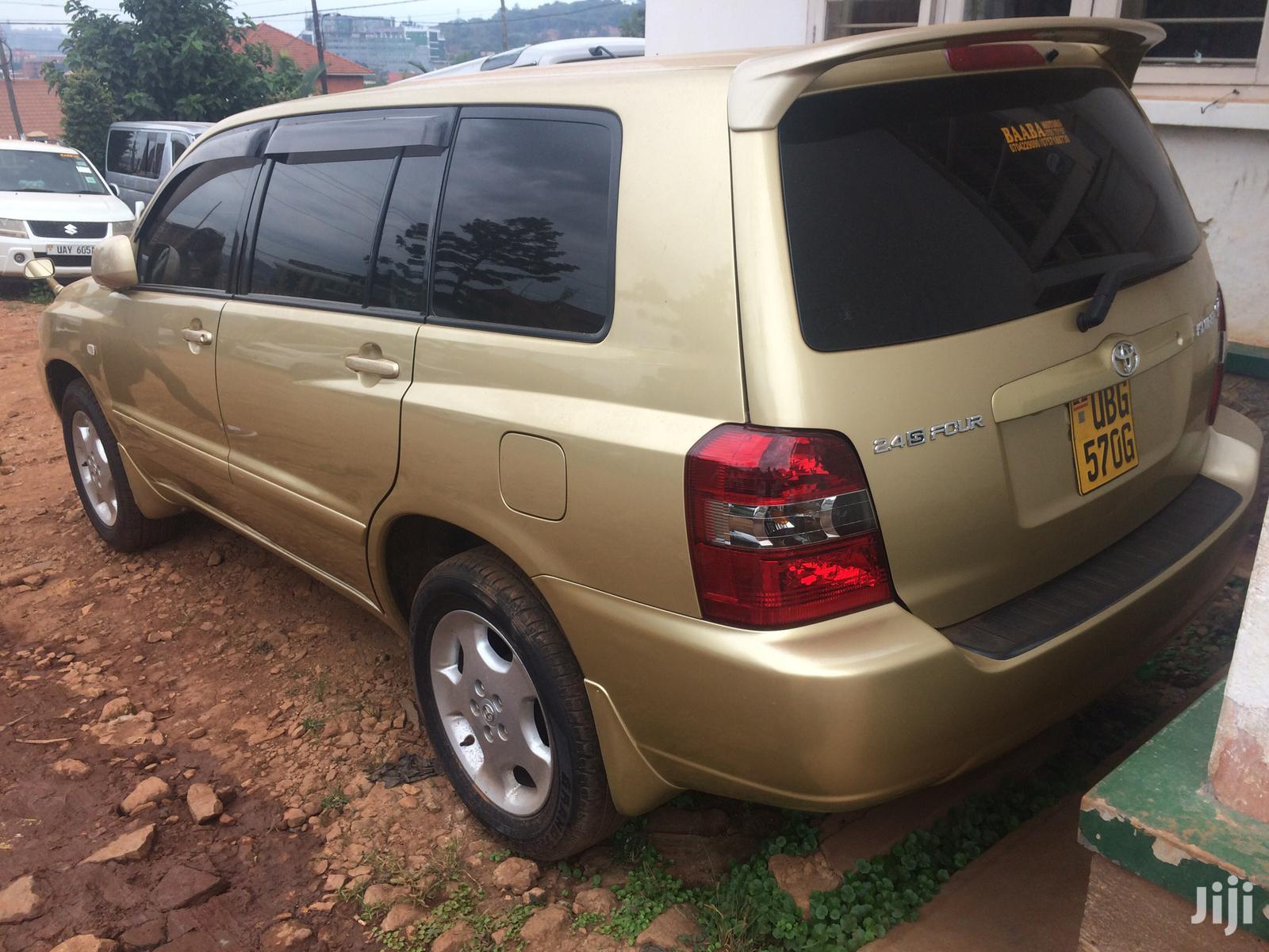 Toyota Kluger 2004 Gold | Cars for sale in Kampala, Central Region, Uganda