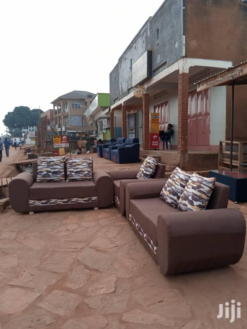 Archive: Sofas 5 Seater