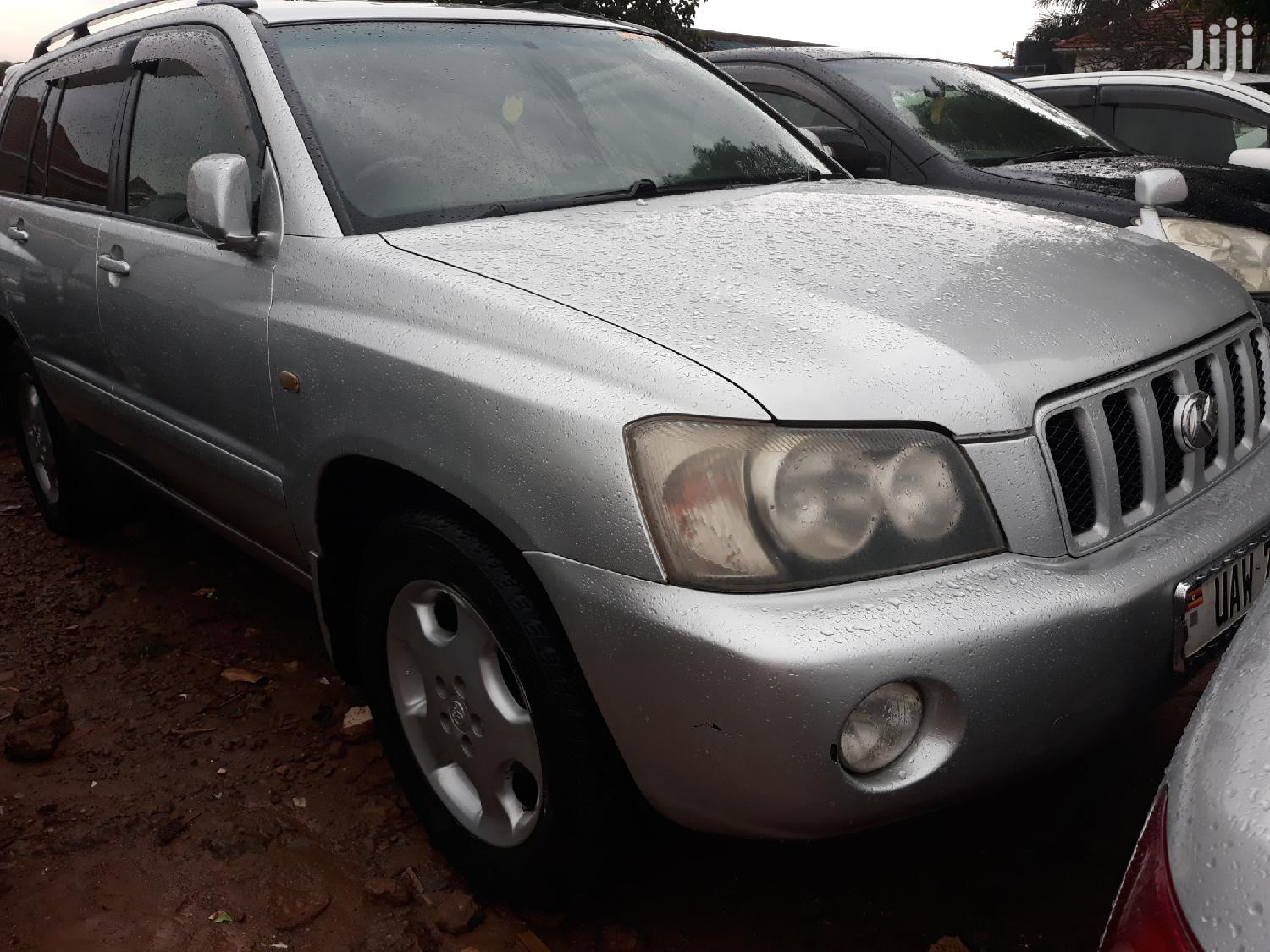 Archive: Toyota Kluger 2002 Silver