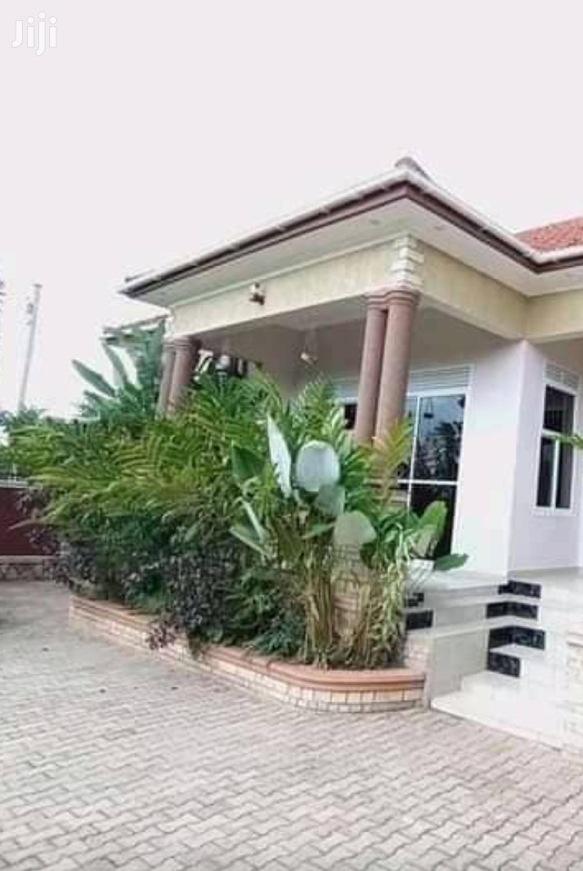 Mengo 5 Bedrooms Bungalow For Rent