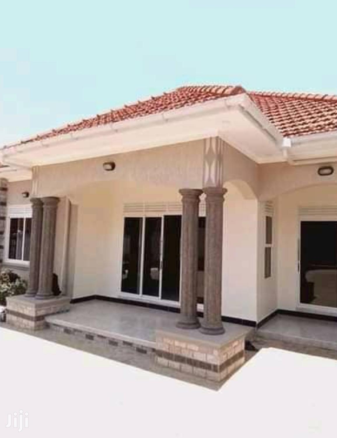 Mengo 5 Bedrooms Banglow House For Rent