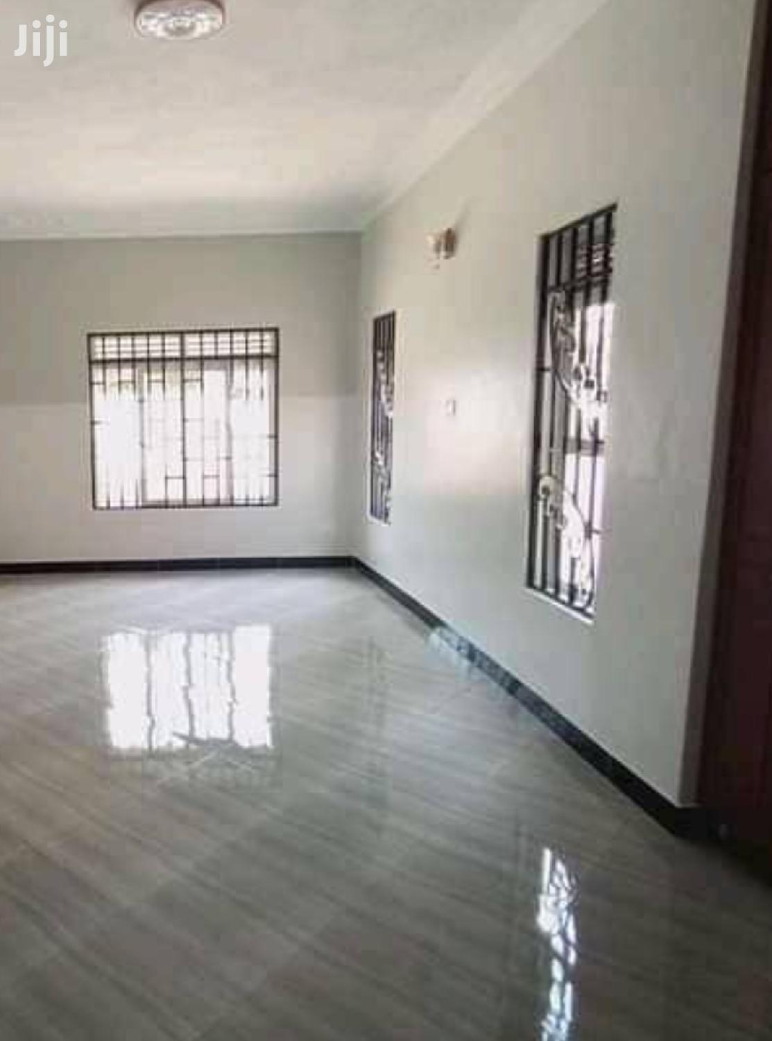 Bugolobi 4 Bedrooms Banglow House For Rent
