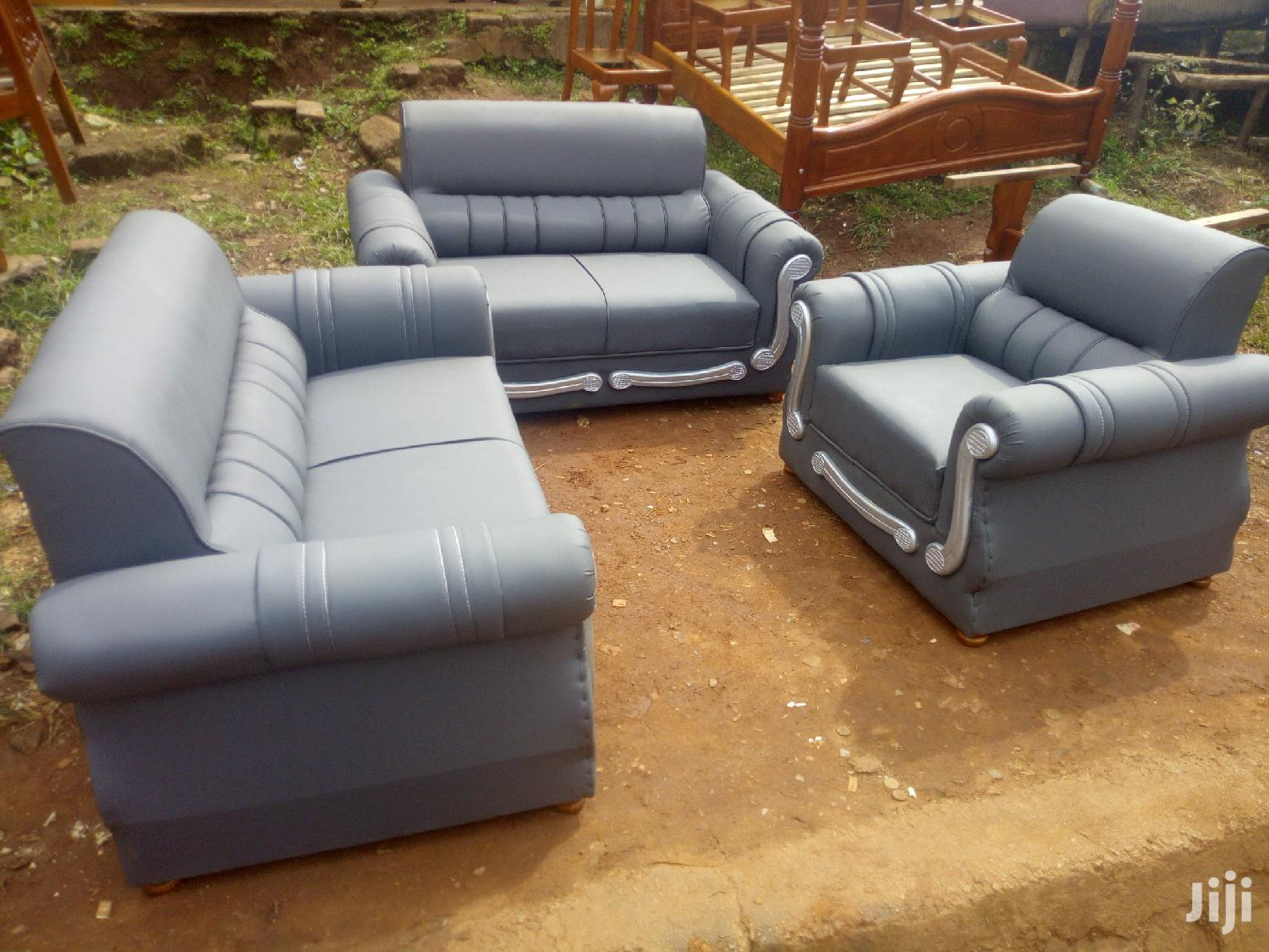Archive: Sofa Set