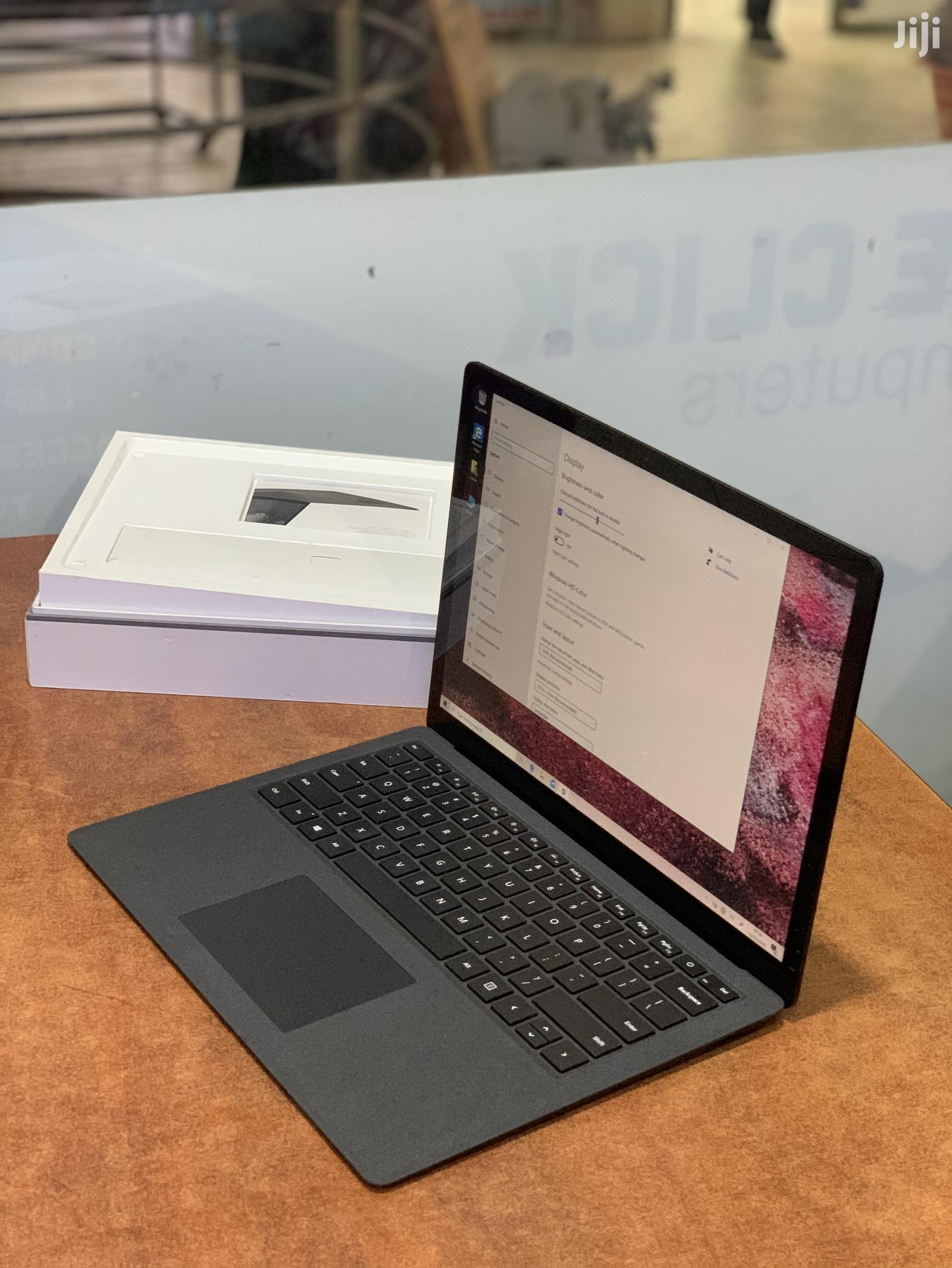 Archive: New Laptop Microsoft Surface Book 2 8GB Intel Core I5 SSD 256GB